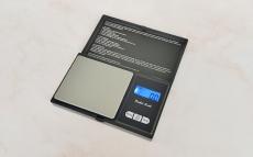 Весы для лабораторных работ до 200 грамм.Точность 0,01 гр,  электронные