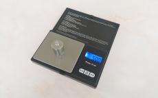 Весы для лабораторных работ до 500 грамм.Точность 0,01 гр,  электронные