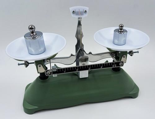 Весы учебные с гирями до 200 грамм